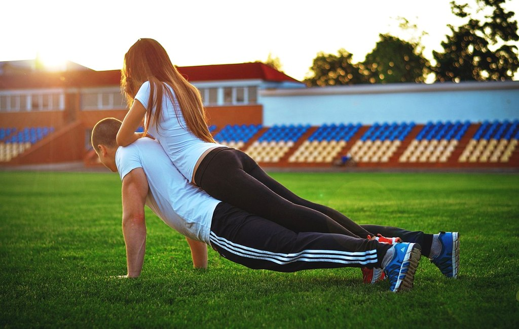 Как уговорить девушку заняться спортом
