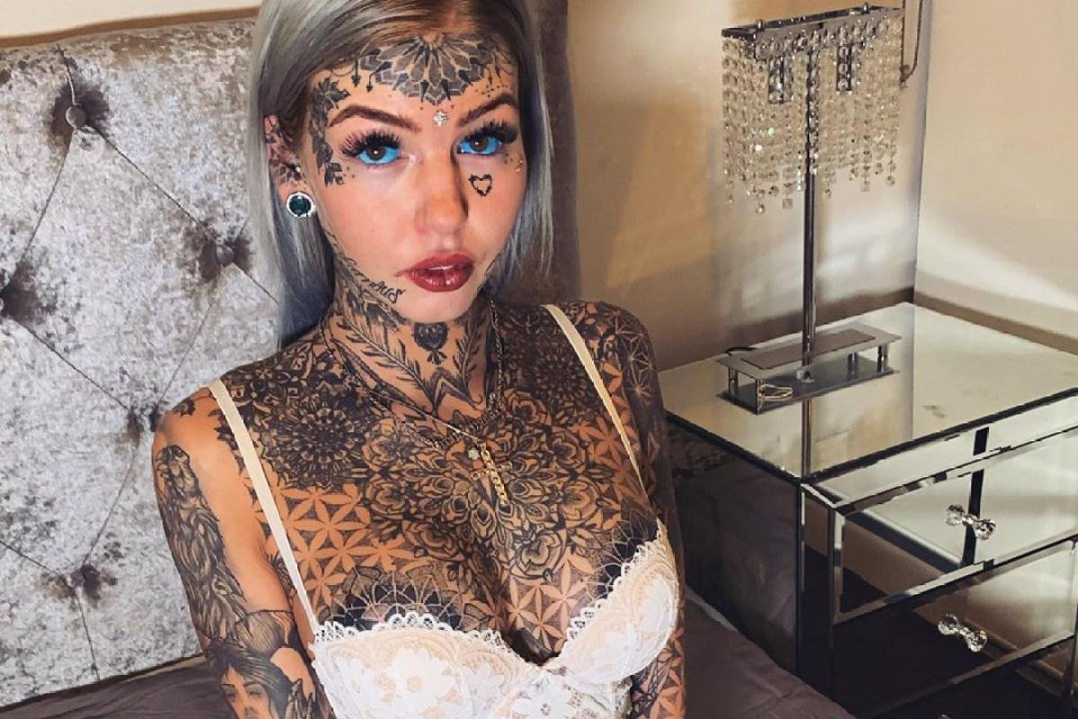 Эмбер Люк девушка с татуировками