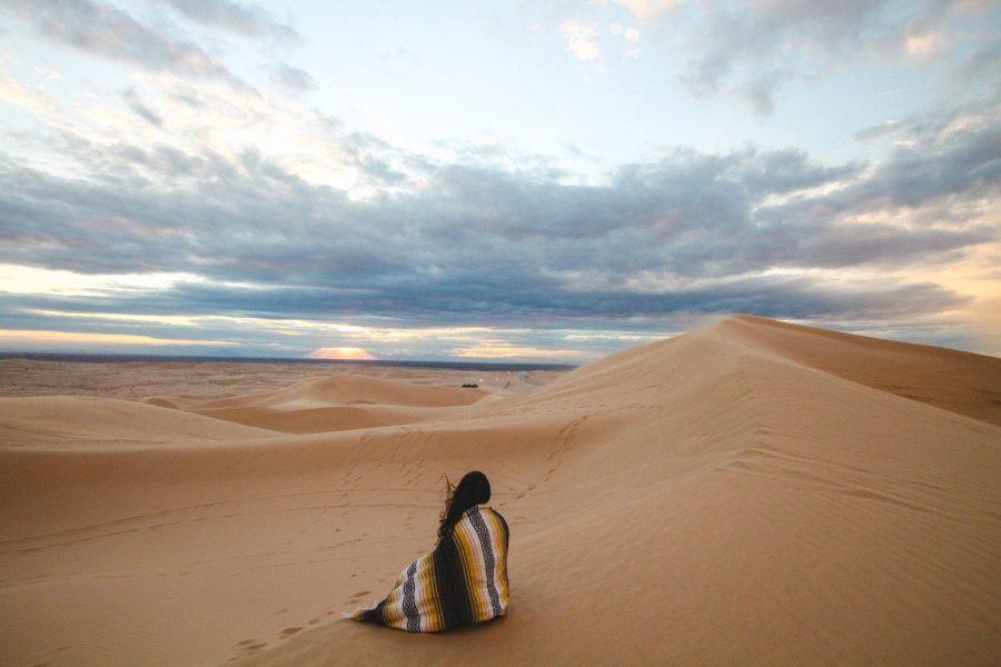 Женщина выжившая в пустыне