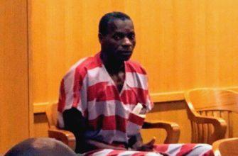 Заключенный в тюрьму мужчина