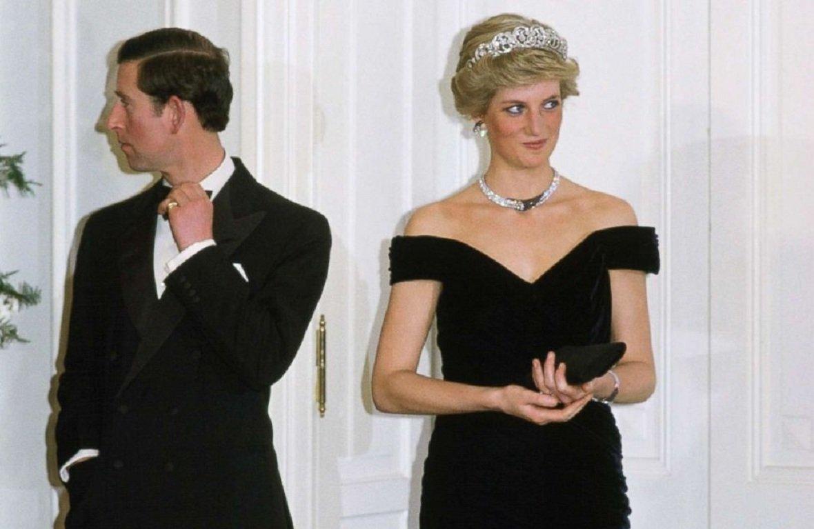 Принцесса Диана в черном платье