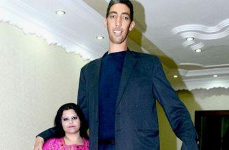 Самый высокий человек с женой