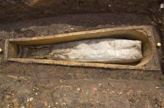 Захоронение в свинцовых гробах