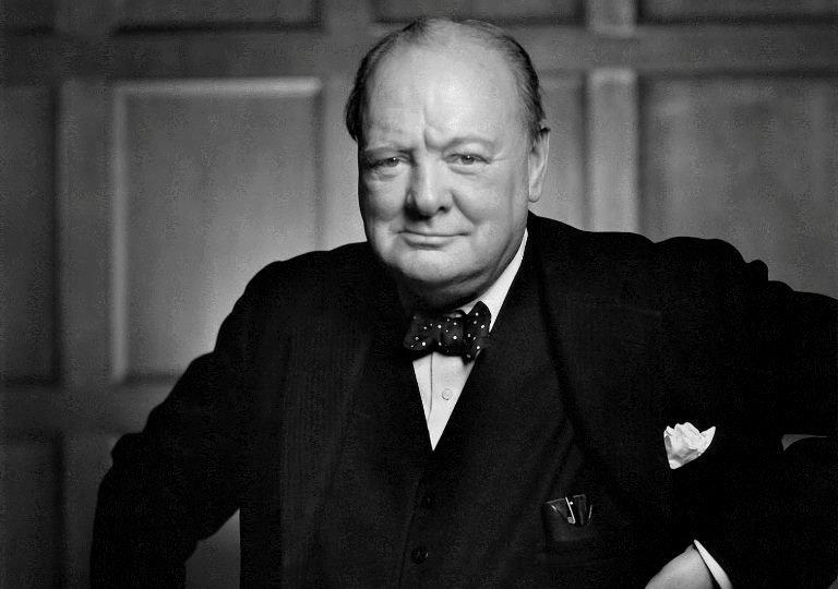 Улыбающийся Черчилль