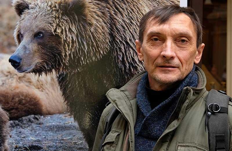 У фотографа Игоря Шпиленка богатейший опыт общения с дикими медведями, обитающими на Камчатке