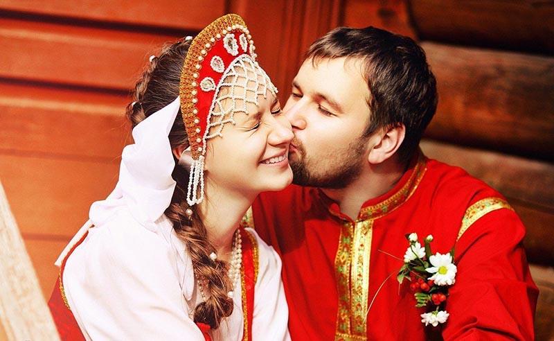 В Русской православной церкви существует много обрядов, в которых используется целование