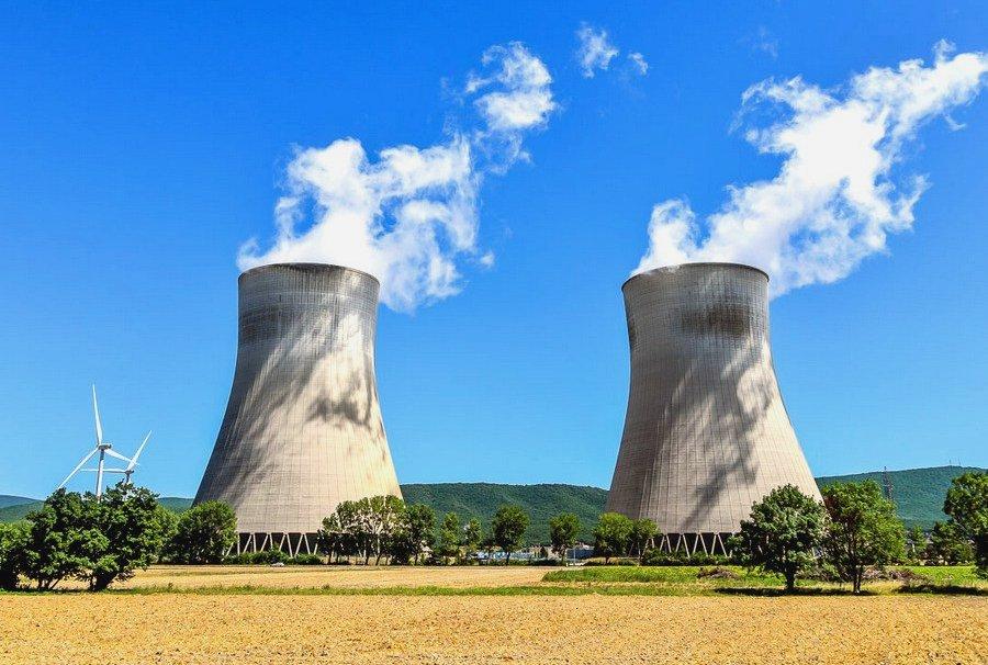 Атомная станция во Франции