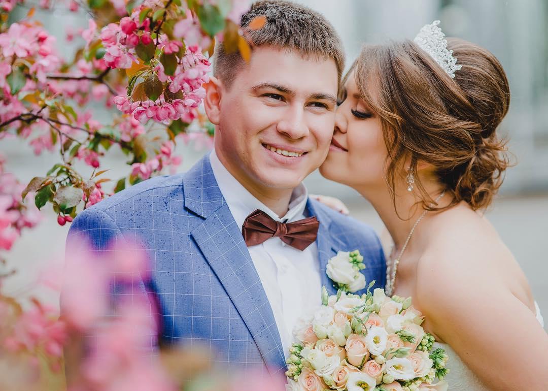 Рустам Набиев с девушкой
