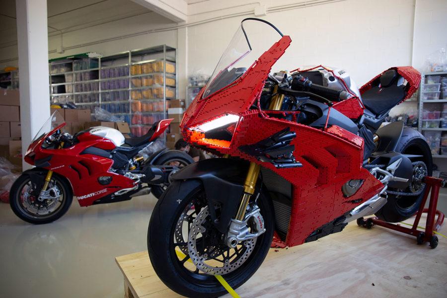 Мотоцикл из лего
