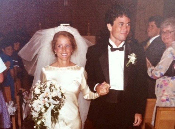 Марта в свадебном платье