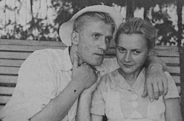 Мария Пастухова и Николай Крючков