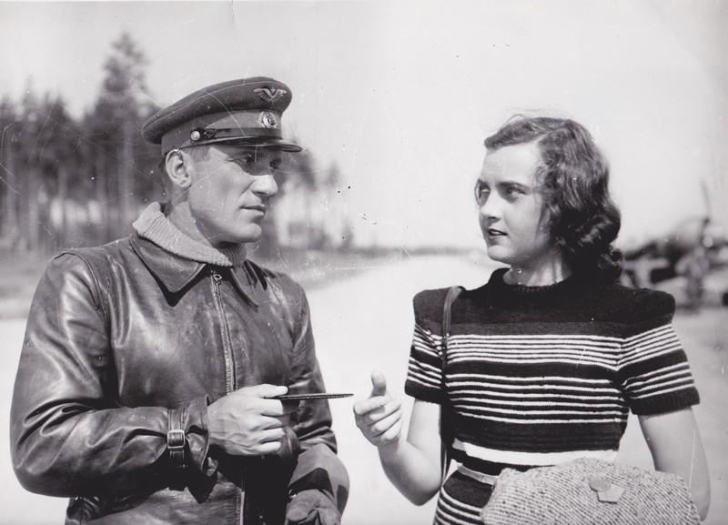 Николай Крючков и Алла Парфаньяк